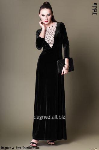 Kupić Tekla, długa prosta sukienka podkreślająca kształty. Unikalny dekolt z przodu i z tyłu.