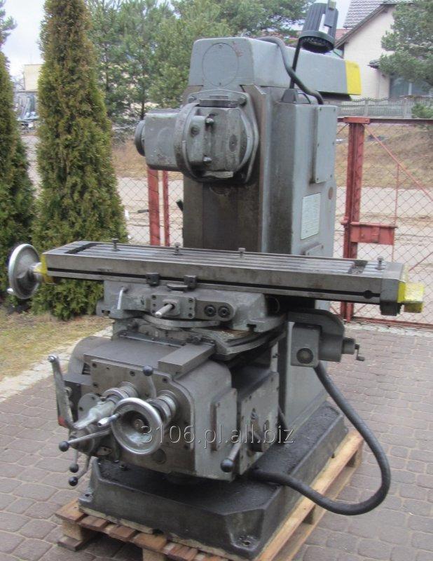 Kupić Używana frezarka uniwersalna 6P81 z bogatym wyposażeniem z 1983 roku.