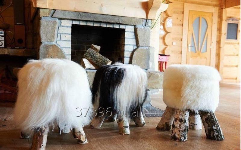 Kupić Stylowe krzesła pufy stołki z naturalnej skóry owczej