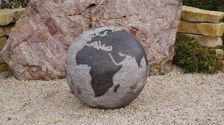 "Buy Garden fountain, the fountain of the ""globe"" 60 cm granite"