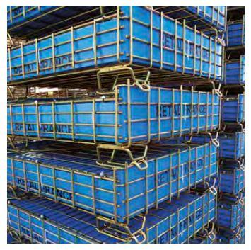 Pojemniki siatkowe z możliwością piętrowania w stanie złożonymi, jak i po rozłożeniu