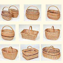 Kupić Kosze wiklinowe na zakupy otwarte i z pokrywą w różnych kształtach i wielkościach.