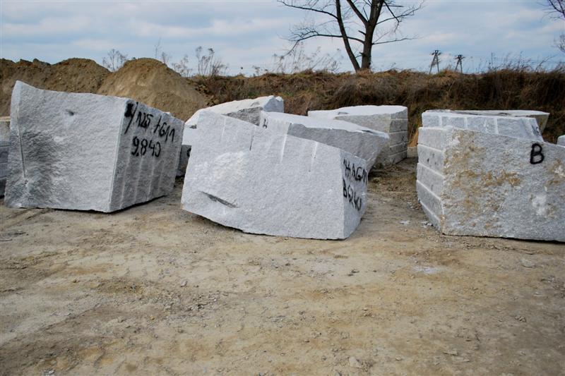 Kupić Bloki granitowe handlowe i budowlane
