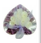 Kupić Kompozycje mydełek w kształcie kwiatów w eleganckim opakowaniu.