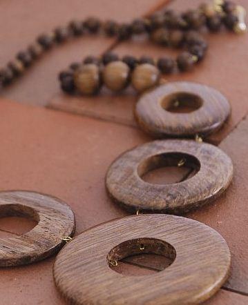 Kupić Biżuteria drewniana- korale drewniane