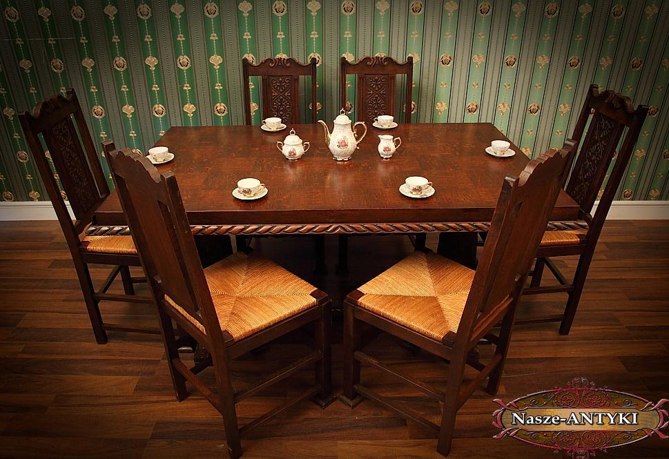 Kupić Bogato zdobiony Stół z sześcioma krzesłami w stylu Tudor z I połowy XX wieku.