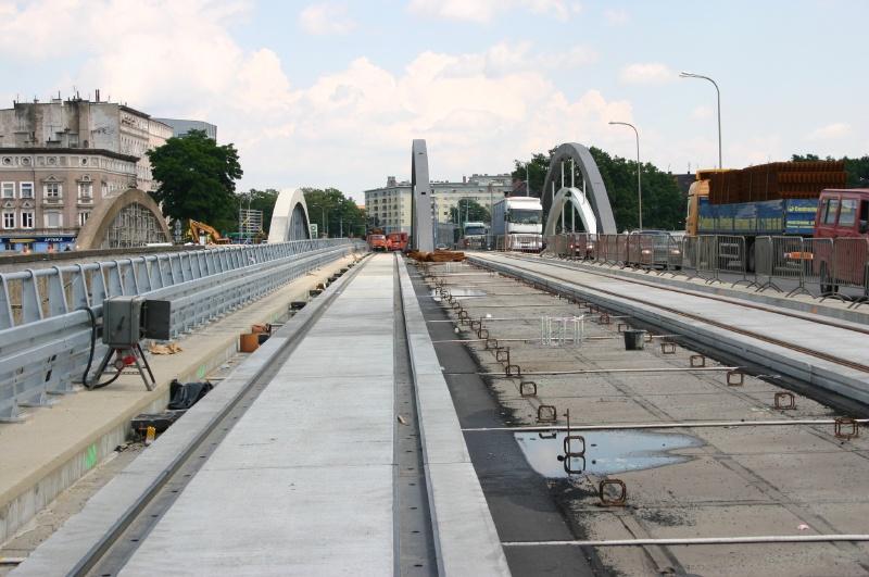 Kupić Systemy prefabrykowanych nawierzchni drogowo - tramwajowych blokowo - gumowe