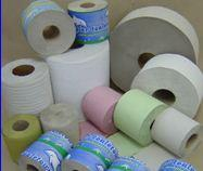 Papier toaletowy wykonany z makulatury. Dostępne kolory.