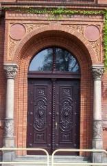 Drzwi antyczne