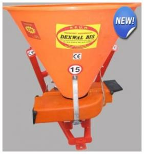 Machines hinged for entering mineral fertilizers