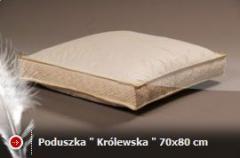 Poduszki syntetyczne i poduszki wypełnione puchem.