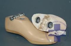 Stopa odlewana z kostką z przegubem skokowym bez