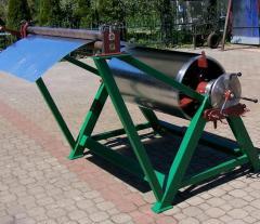 Machines for reeling and unreeling of metal strip
