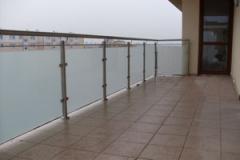 Balustrada szklana balkonowa