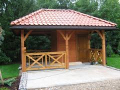 Altany drewniane