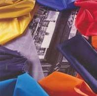 Tkaniny płaszczowe i na odzież sportową