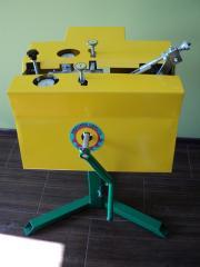 Tools for distributings saws