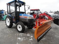 Mini traktorek Iseki Sial 243DT z kabiną z pługiem