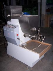 The equipment for manufacture of macaroni