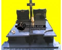 Pomníky a náhrobní ozdoby z kamenů