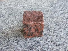Kostka czerwona 4/6 cm
