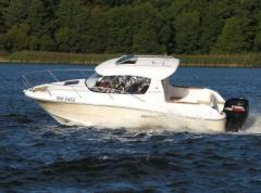 S700WE, comfortable boat perfect for fishing and
