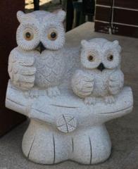 Rzeźby kamienne.