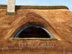 Ekologiczny i naturalny dach z trzciny, strzecha.