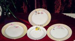 Wyroby ceramiczne porcelanowe.