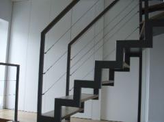 Schody o konstrukcji metalowej