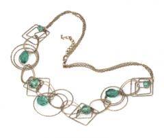 Sztuczna biżuteria- naszyjniki