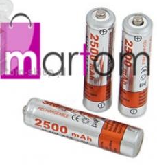 Storage batteries and batteries alkaline