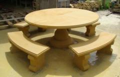 Stół z piaskowca