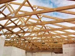 Wiązary dachowe i konstrukcje drewniane dachów