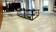 Self-levelling floor
