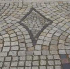 Kostka granitowa  surowo-łupana wg PN-EN 1342