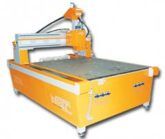 Machinery for processing of wood