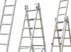 Staging, step ladders, portable, metallic
