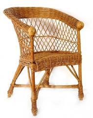 Krzesła z wikliny.
