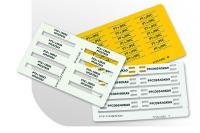 Karty z etykietami o różnej wielkości do znakowania przewodów, kabli i aparatów.