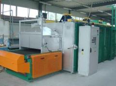 Glass melting furnaces