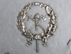 Metal art goods