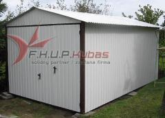 Garaże blaszane z dachem dwuspadowym