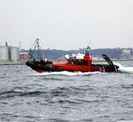 Łodzie patrolowe przeznaczone są do patrolowania akwenów, nabrzeży i portów. Głównym odbiorcą tego typu łodzi jest straż graniczna, straż miejska, policja, grupy badawcze oraz wędkarze.