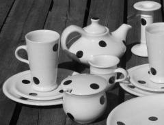 Ceramic art goods