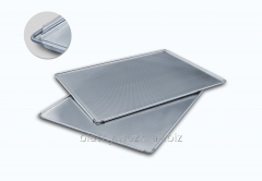 Baking tray made of aluminum reinforced with