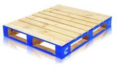 Cargo pallets and pans made of low-density wood