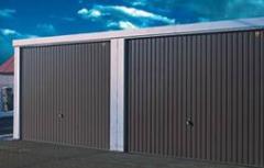 Garaże stalowe o ścianach z blachy trapezowej