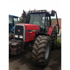 Traktor Massey Ferguson 8120