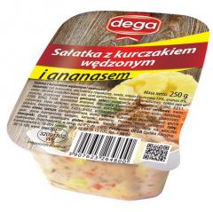 Sałatka z kurczakiem wędzonym i ananasem